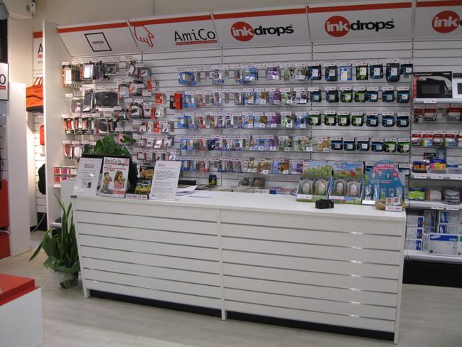 arredamento negozi informatica a pisa livorno toscana