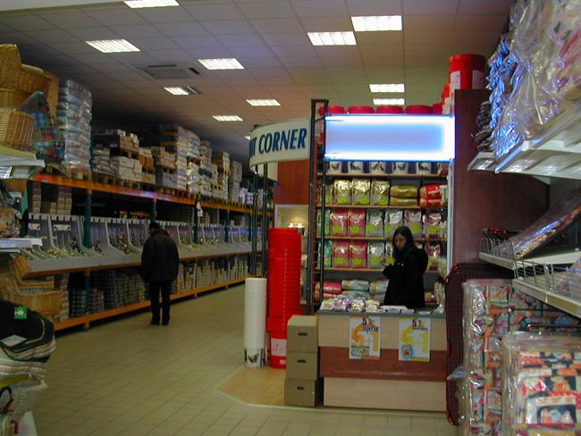 arredamento negozi pet shop a pisa livorno toscana