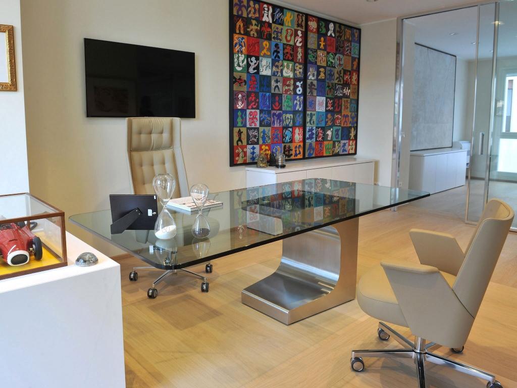 Niemeyer toscana scrivanie da ufficio belardi arredamenti for Design ufficio scrivania