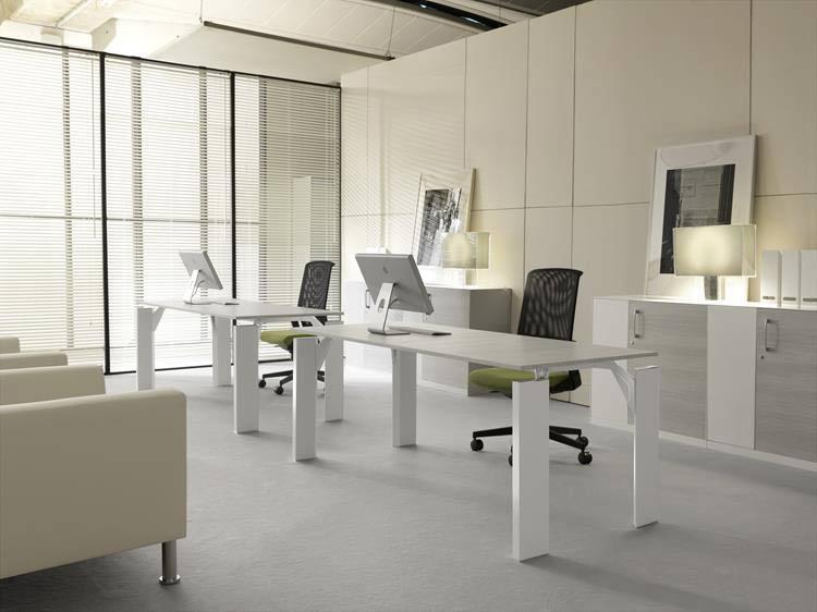 Scrivanie ufficio tecno nomos di tecno prodotto ambienti for Scrivanie ufficio moderne