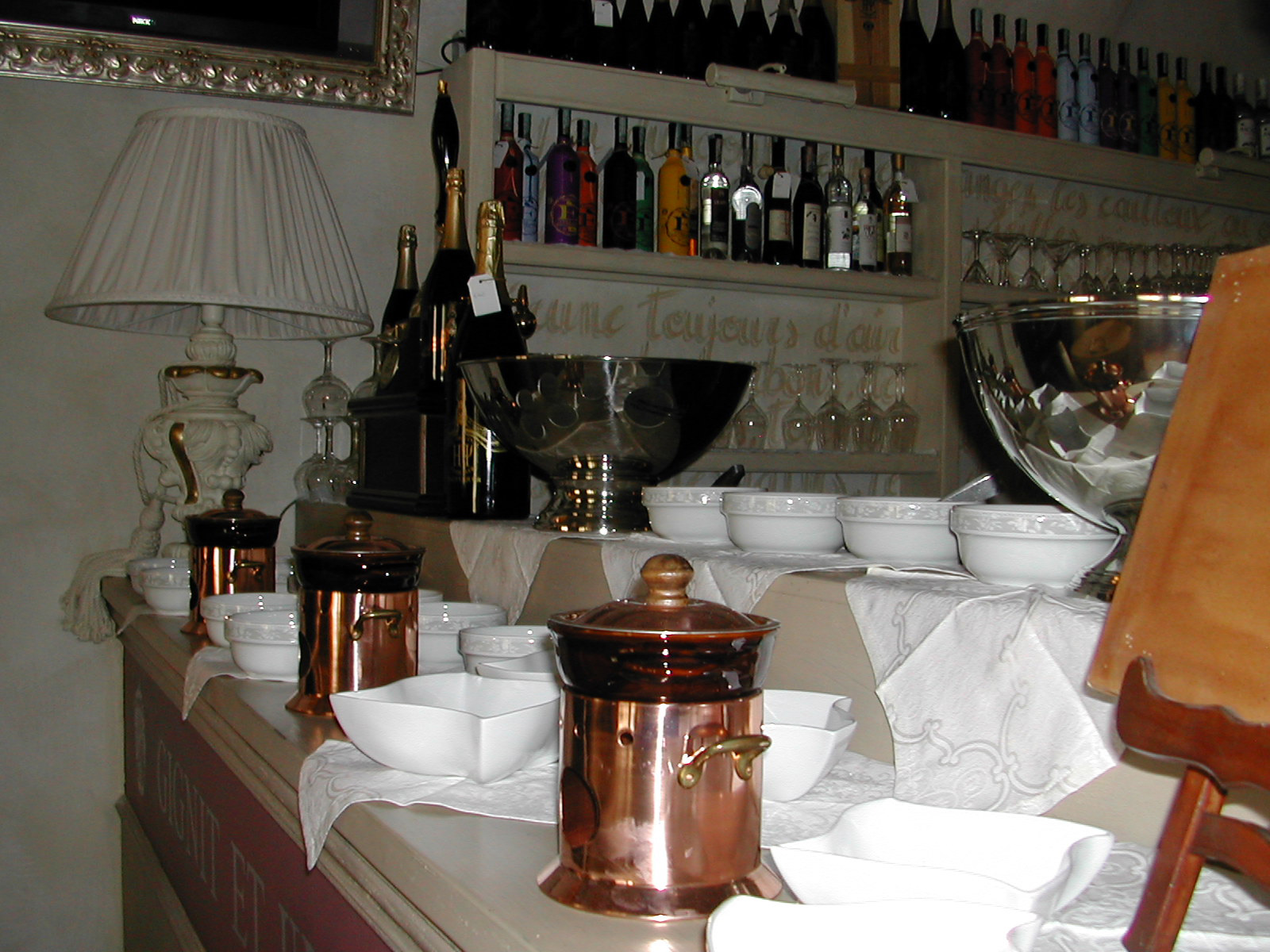 Arredamento per enoteche wine bar toscana belardi for Arredamento wine bar