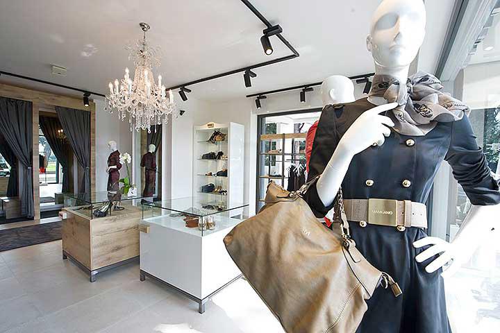 Top allestimento negozio di abbigliamento cv54 pineglen for Negozi arredamento