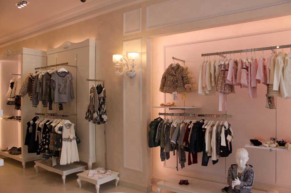 Arredamento per negozi di abbigliamento toscana belardi arredamenti