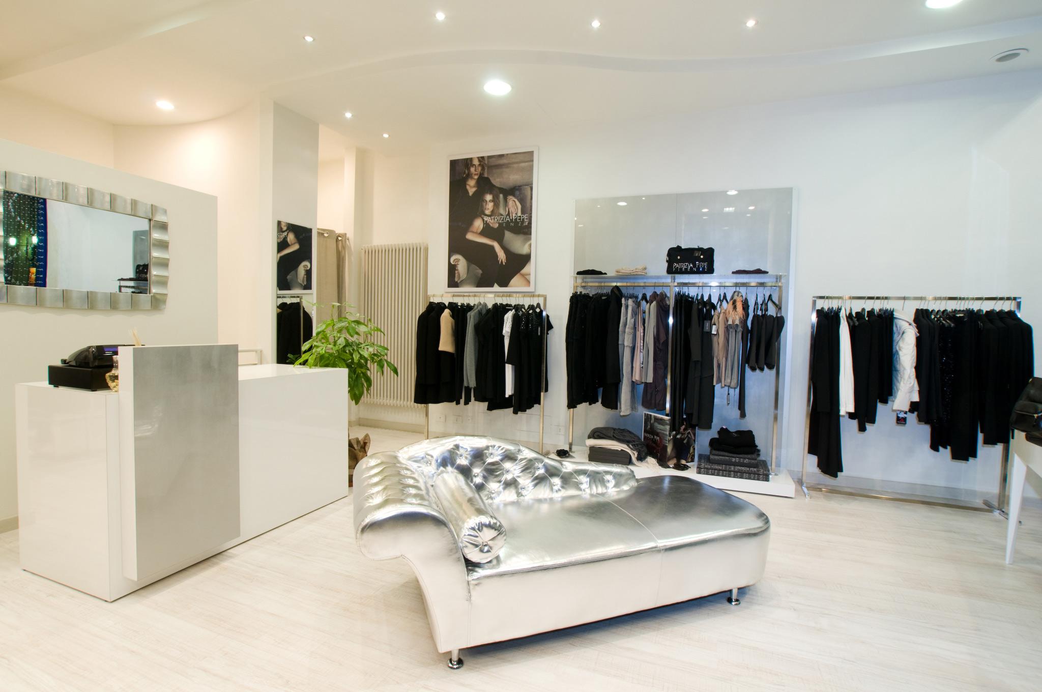 arredamento per negozi di abbigliamento toscana belardi