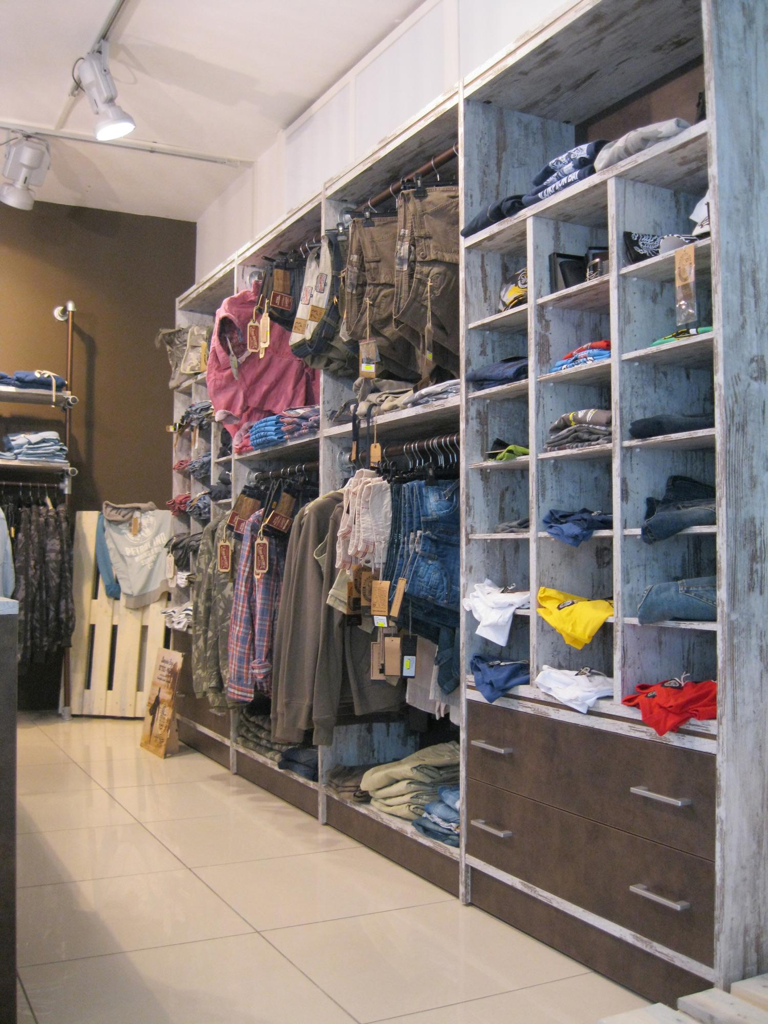 arredamento negozi abbigliamento firenze ~ gitsupport for . - Arredamento Negozi Abbigliamento Toscana