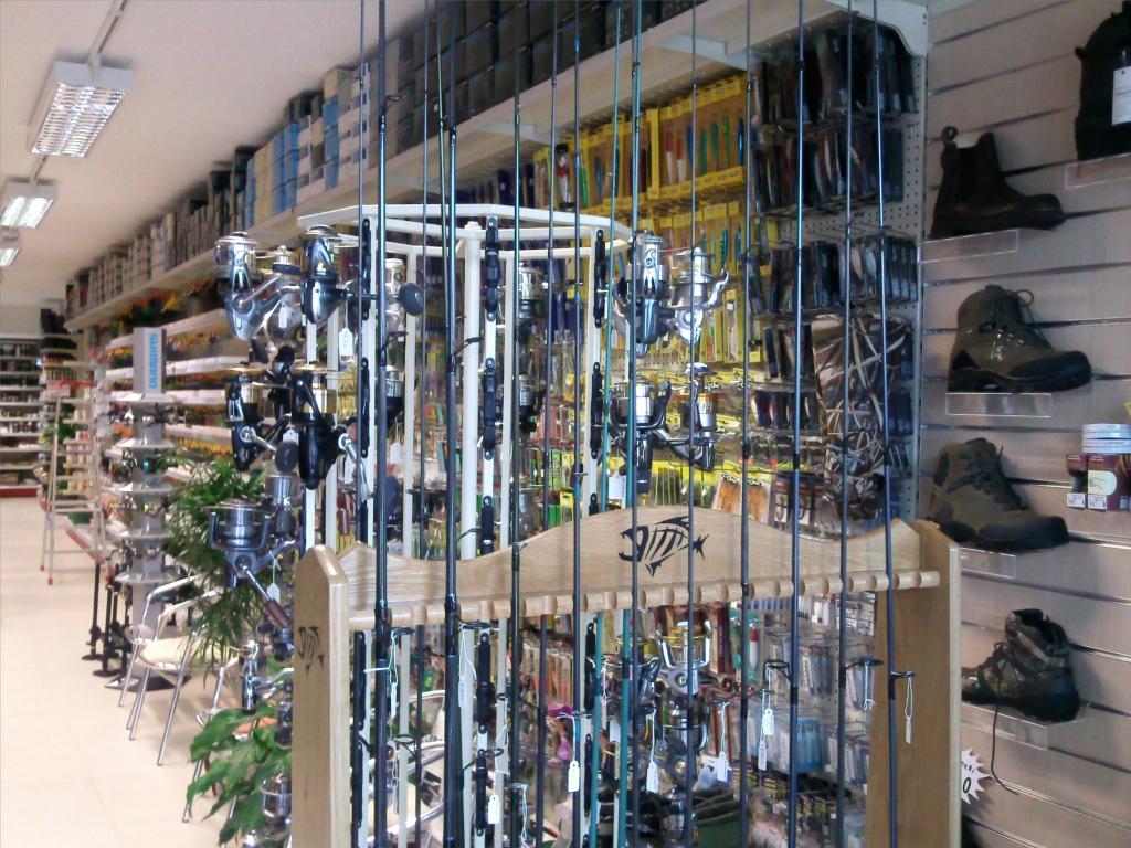 Arredamento per negozi di caccia e pesca toscana belardi for Negozi di arredamento online