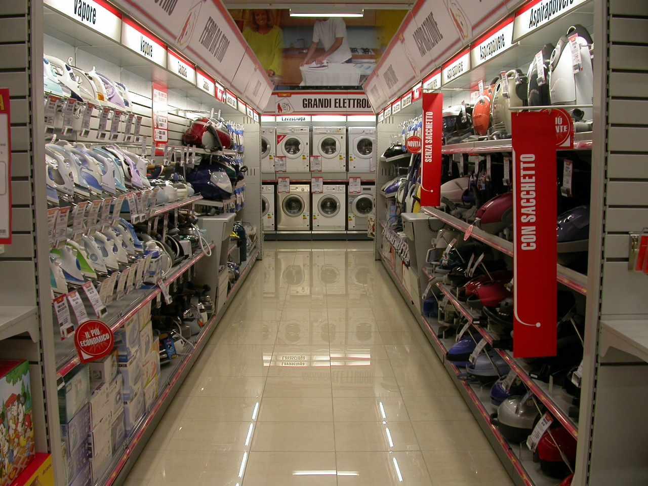 Grandi negozi arredamento arredamento negozio di per for Arredamento casa usato