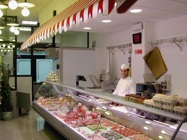 Arredamento per panetterie e gastronomie toscana belardi for Arredamento gastronomia