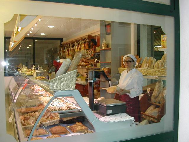 arredamento-negozio-panetteria-gastronomia-vetrina