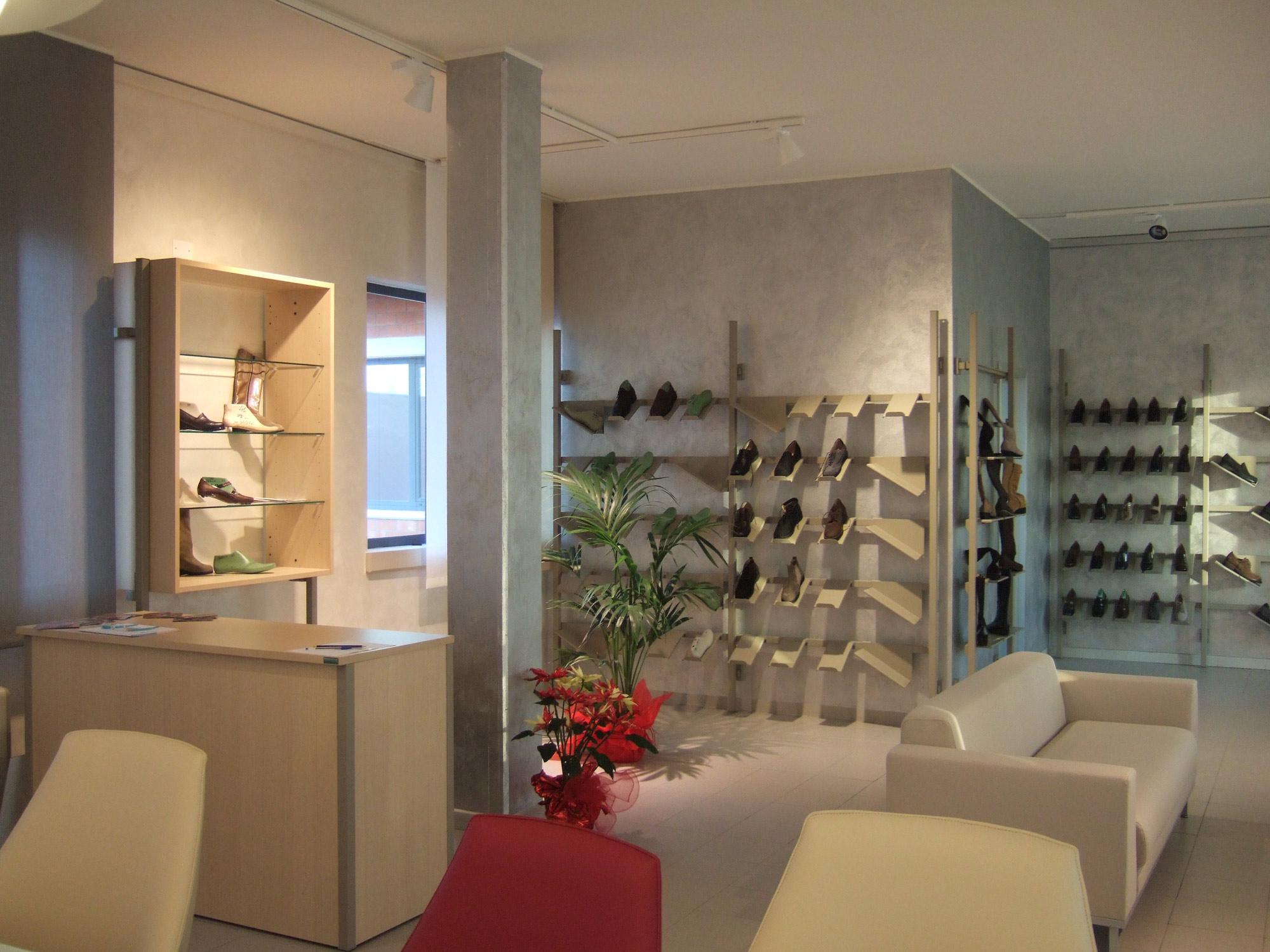 Arredamento per sala campionario toscana belardi arredamenti - Arredamento sala ...