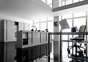 archiviazione-armadi-in-metallo-vetrina
