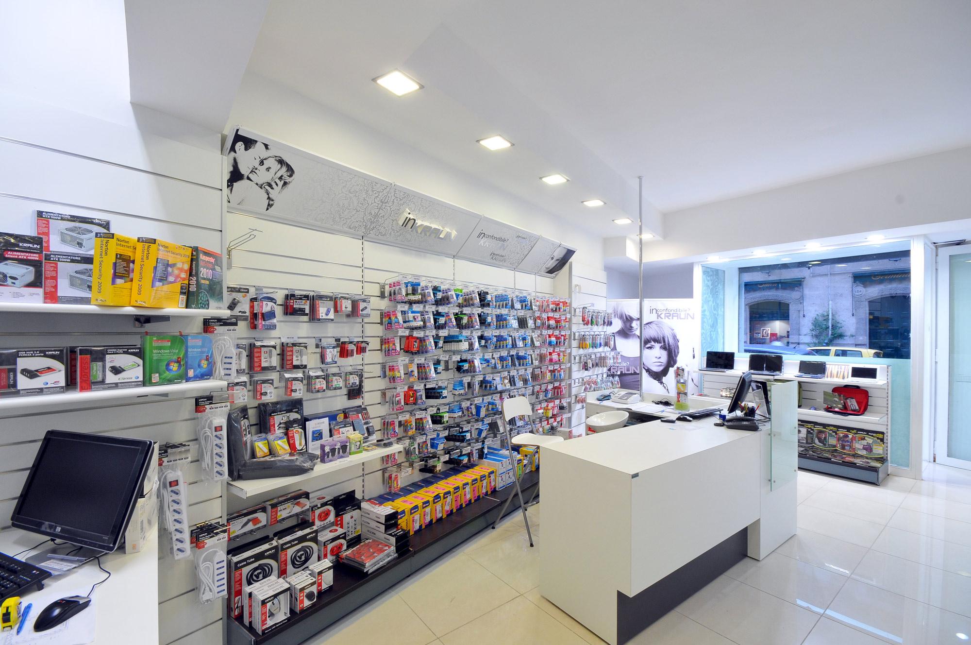 arredamento per negozi di informatica toscana belardi