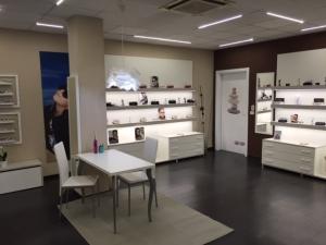 arredamento-negozio-ottica-vetrina
