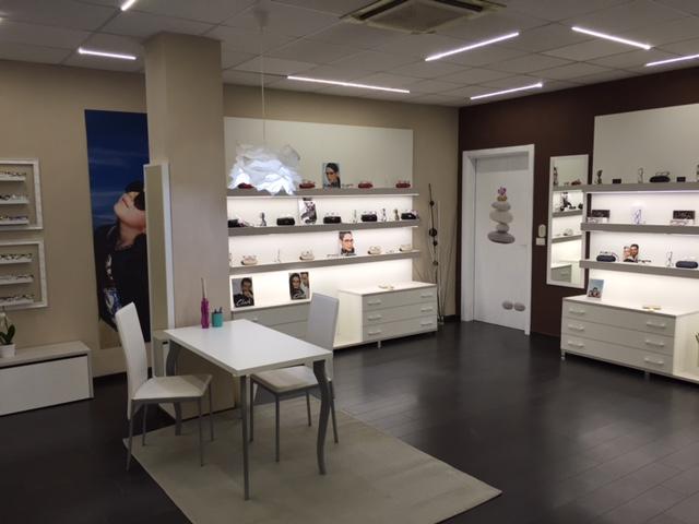 arredamento per negozi di ottica toscana belardi arredamenti