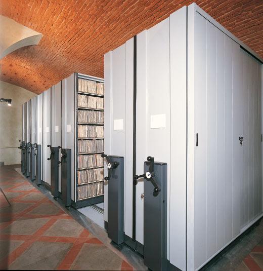 arredo-uffici-scaffalature-1