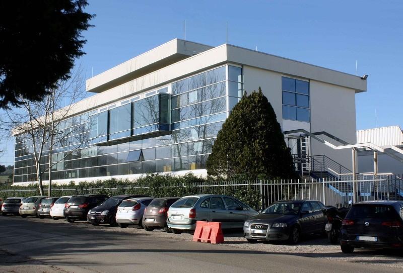 univergomma-2016-esterno-uffici-2-800x543